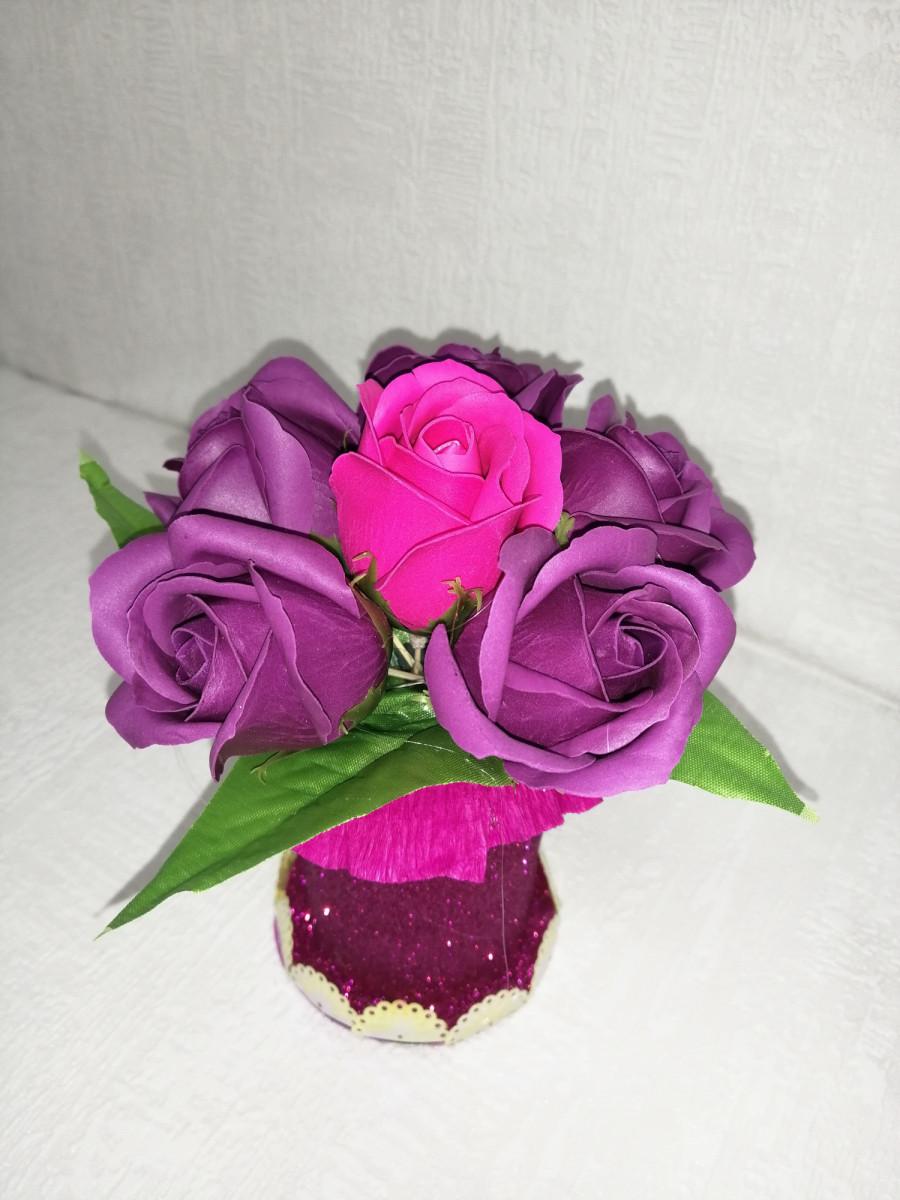 Букет роз из мыла на подставке